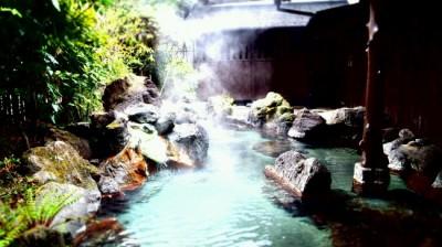 黒川温泉旅館壱の井の湯けむり露天風呂